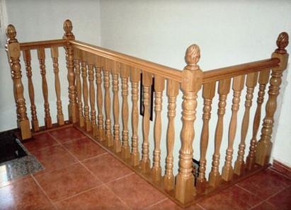 Barandas de madera para escaleras en barcelona - Baranda de madera ...